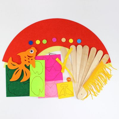 Felt Chinese New Year Fan Pack of 5 - Goldfish - Contents