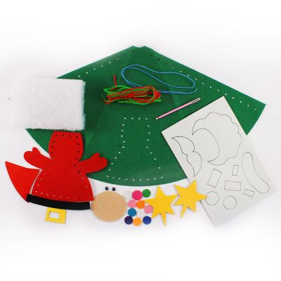 Felt Christmas 3D Hat Kit - Content